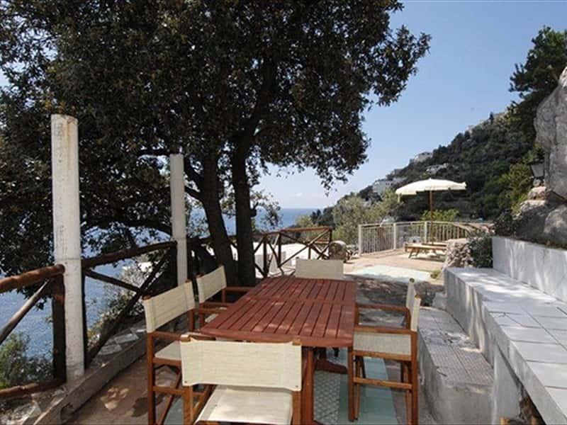 Villas amalfi coast accommodation appartamenti e ville in for Appartamenti amalfi