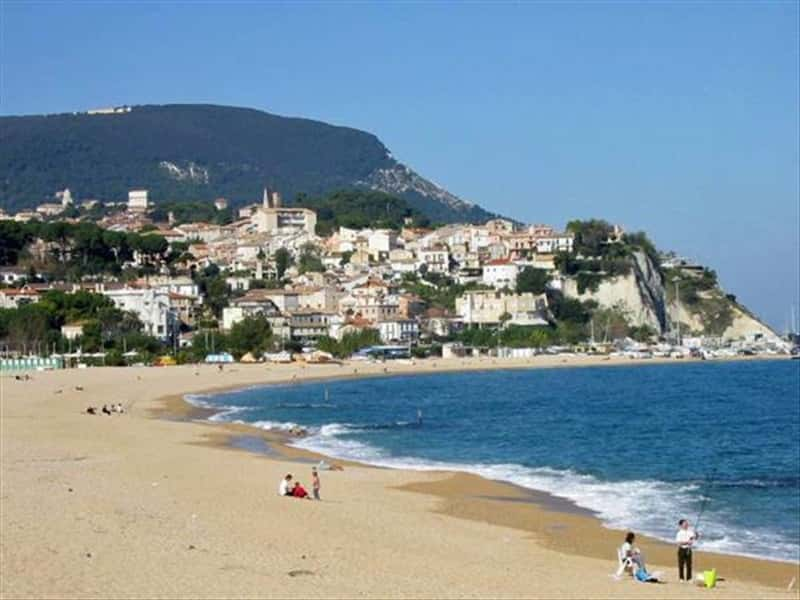 Numana Marche\'s Coast Marche - Vino d\'Autore Italian Winery
